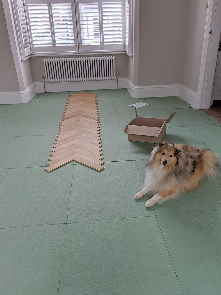 finding the middle point to lay parquet